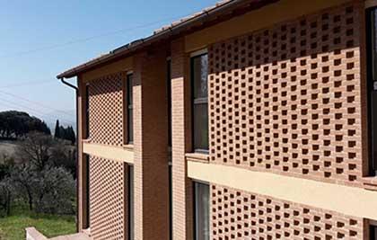 Realizzazione di edificio residenziale privato<br /> Comune di Foligno (PG) loc. Carpello<br /> Prestazione professionale: progettazione architettonica, strutturale, impiantistica, direzione lavori, coordinamento per la sicurezza