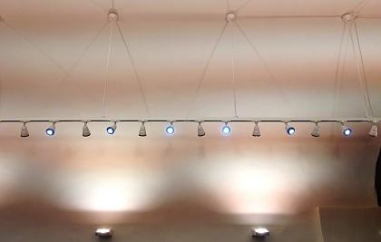 Atividade comercial, venda de roupas<br /> Minicipio de Spoleto<br /> Serviços profissionais: consultoria em mobiliário (interior design), projeto arquitetônico, engenharia de planta, supervisão de construção